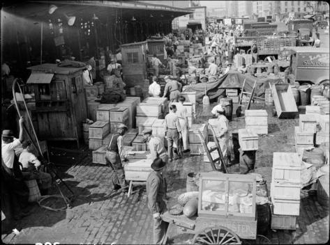 Fulton Fish Market: General View.