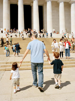 Father And His Children Visit The Sights Of Washington, Dc, Usa.