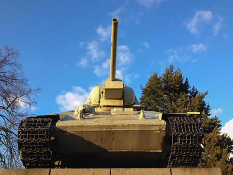 Russian tank, Russian memorial, Street of June 17, Berlin, Germany