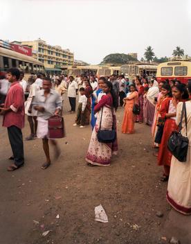 INDIAN WOMEN WAITING AT BUS STATION TERMINAL, CALCUTTA/KOLKATA