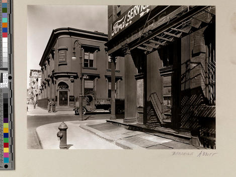 Urban community snapshot, with mechanics and bank