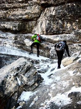 People climbing the Monte Perdido mountain