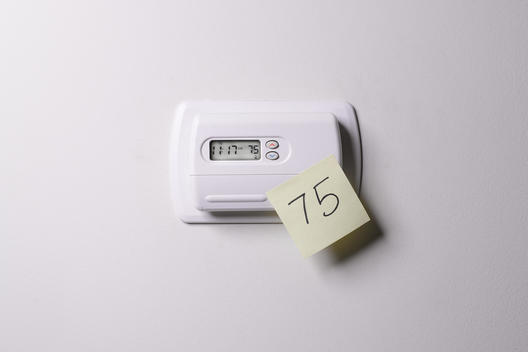 AC thermostat with post-it