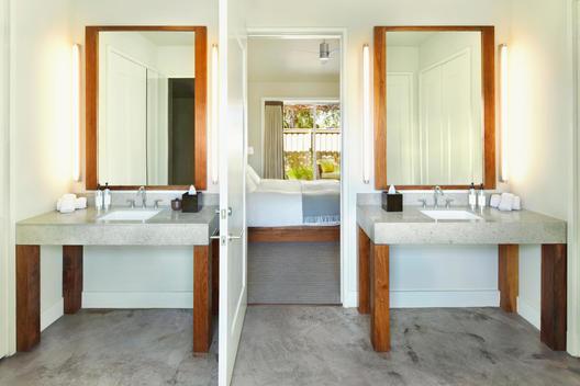Elegant sinks in bathroom