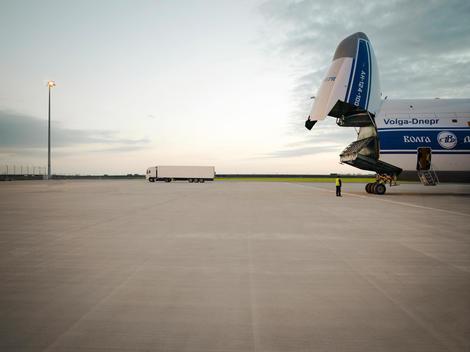 Antonov Opened Nose Side-Shot