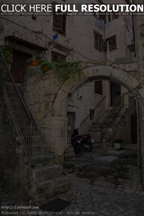 Old Mediteranean City House in Trogir | Free Images For Commercial Use
