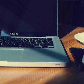 Macbook Pro in Office