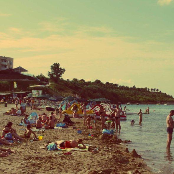 Beach full of people