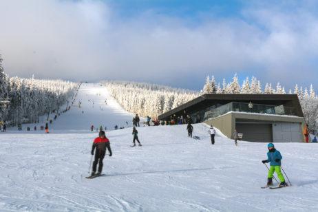 Free Image: Skiing People | Libreshot Free Stock Photos