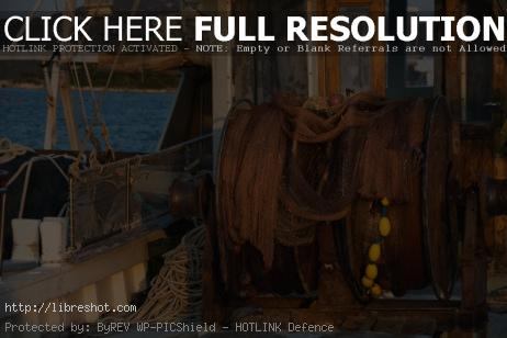 Fishing Net Reel on Old Ship | Free Images For Commercial Use