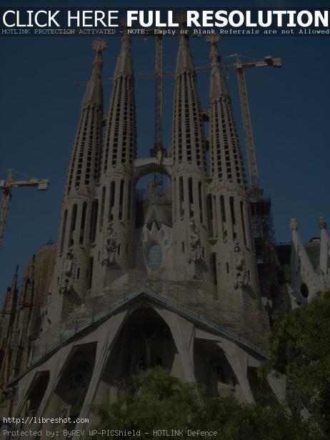 Sagrada Família by Antoni Gaudí