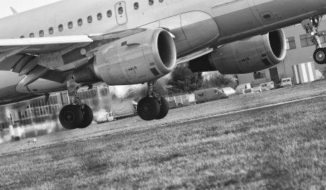 FREE IMAGE: Landing Airplane | Libreshot Public Domain Photos