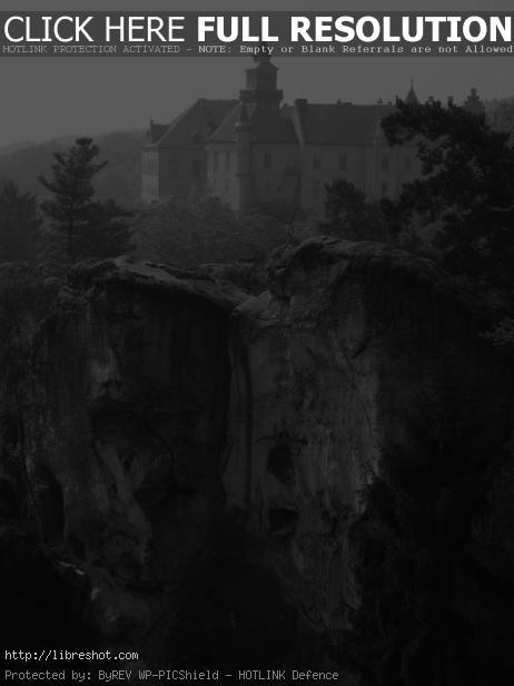 Hrubá skála Castle