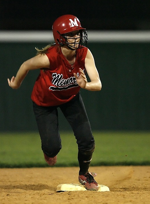 softball, runner, female