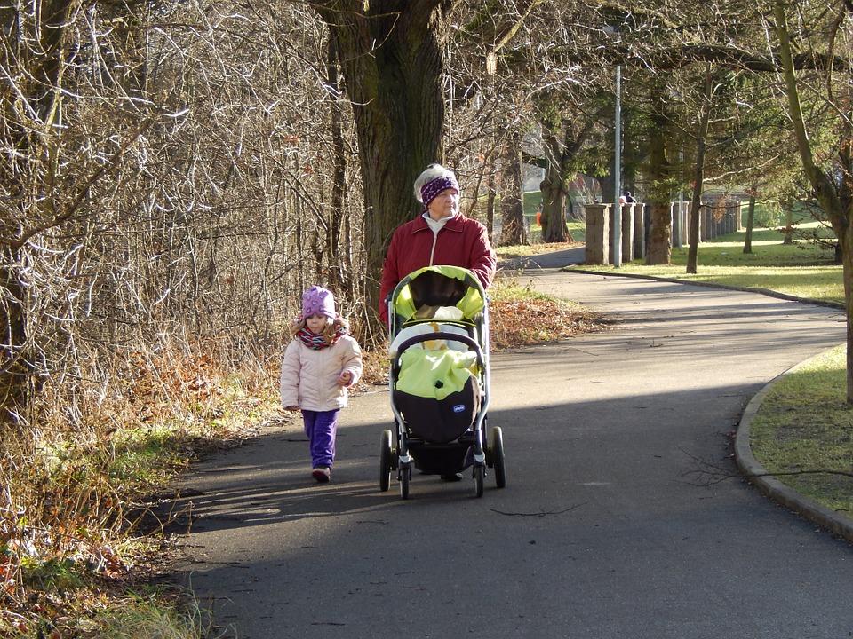 walk, grandma, adelka