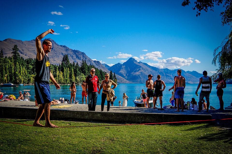 slackline, queenstown, beach