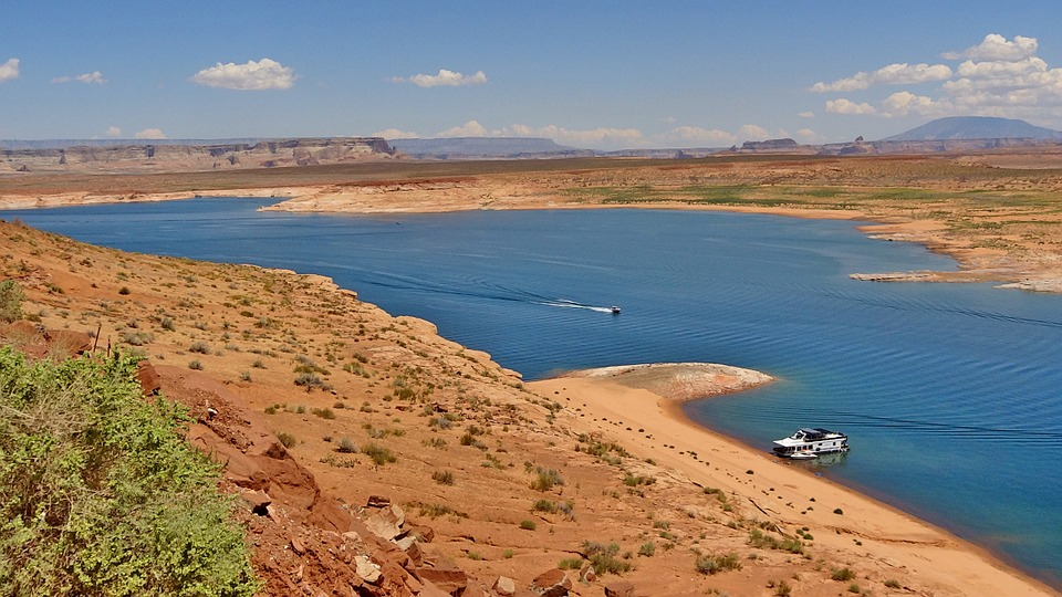 lake, lake powell, tourist attraction