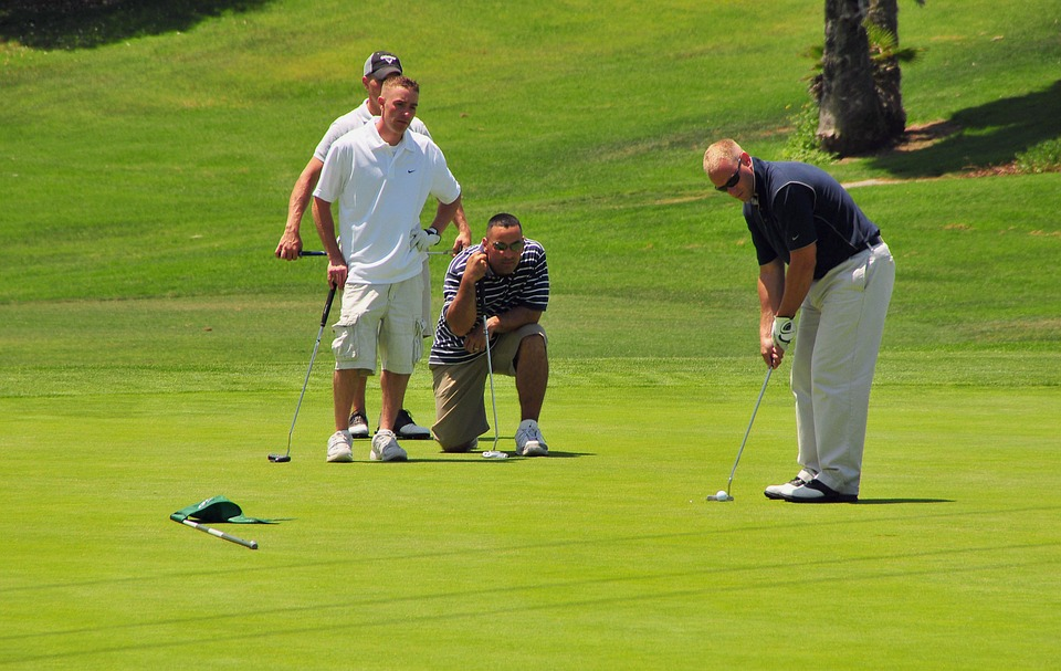 golfers, golfing, green