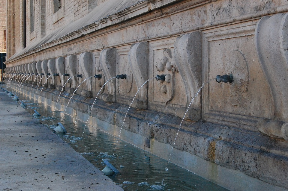 fountain, assisi, holiday