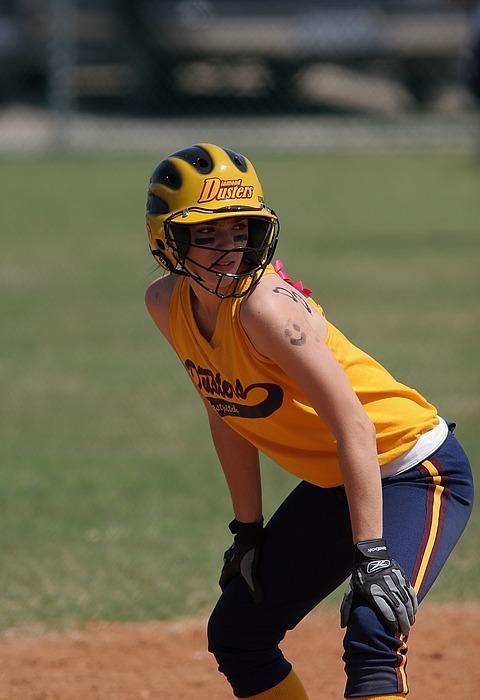 softball, runner, female