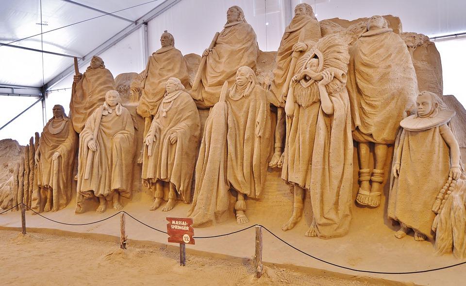 sand sculptures, group, massai