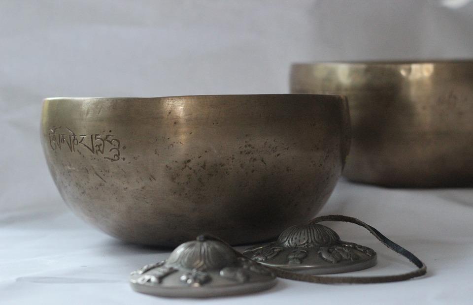 singing bowls, singing bowl massage, wellness