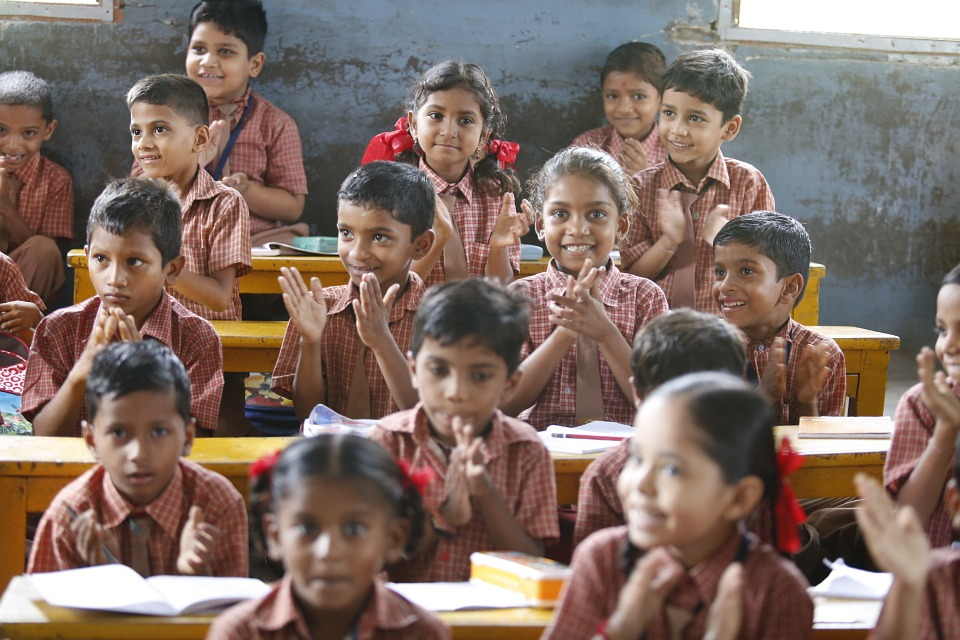 happy children, education, akshaya patra