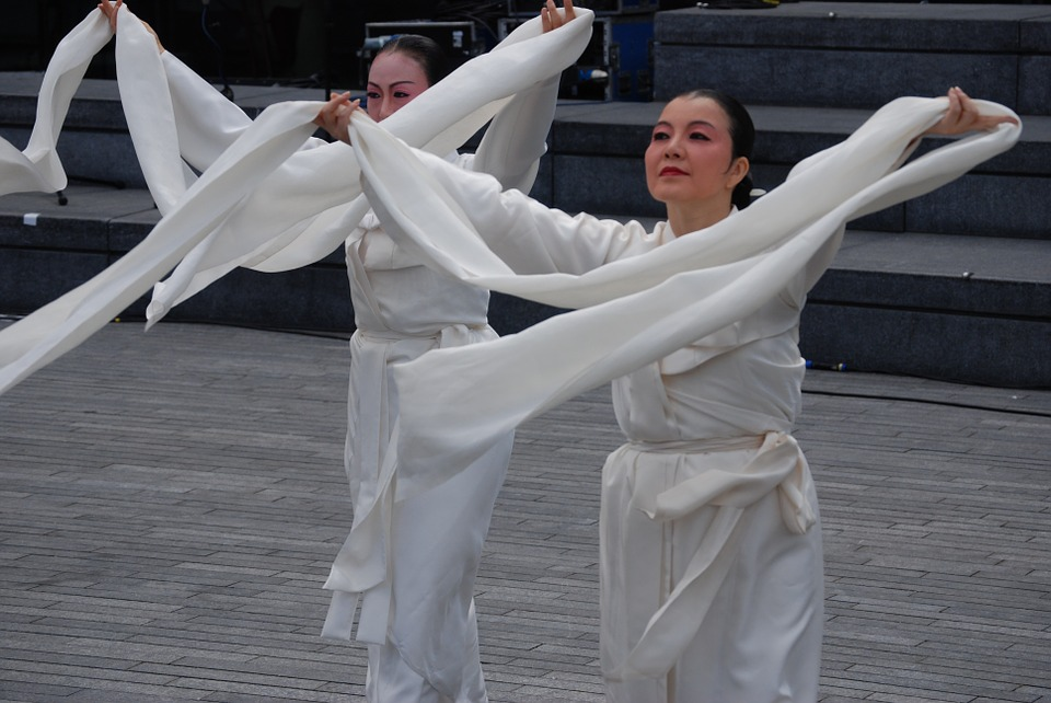 dancers, white, costumes