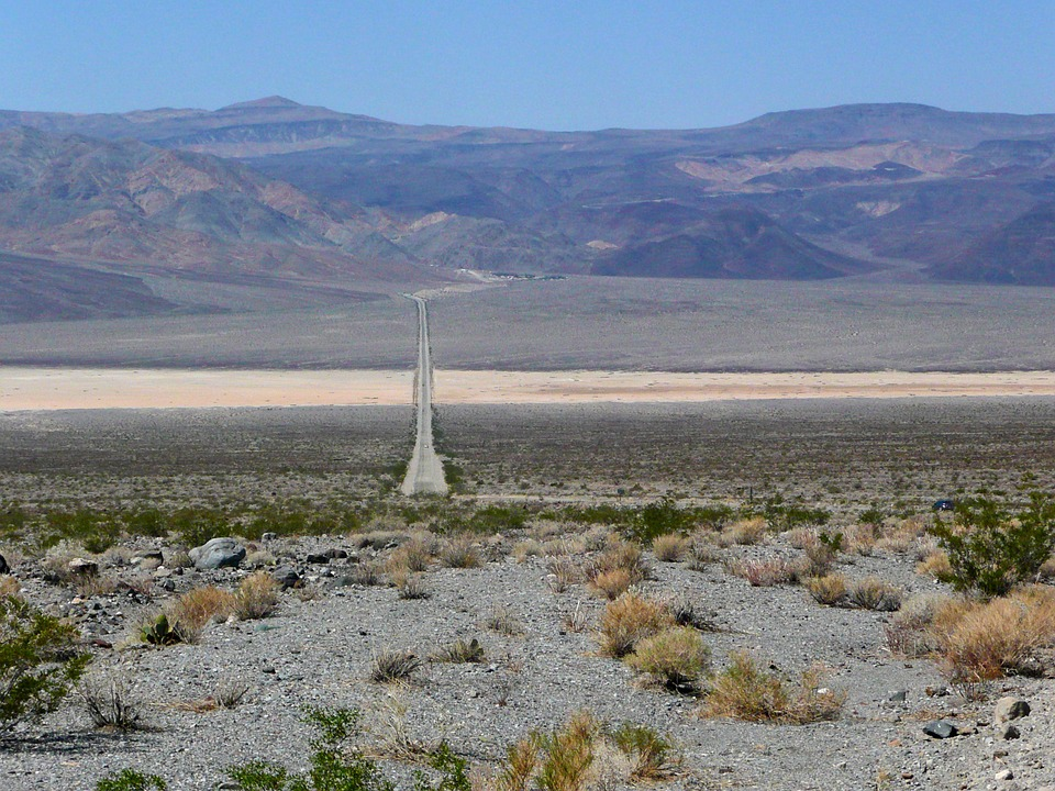 endless road, death valley, tourist attraction