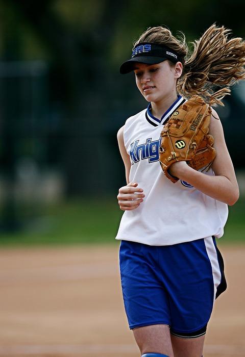 softball, player, running