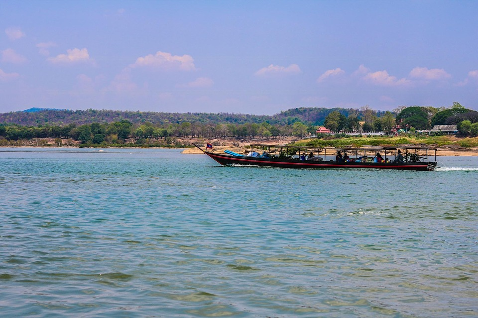 mekong river, two-colored river, tourist attraction