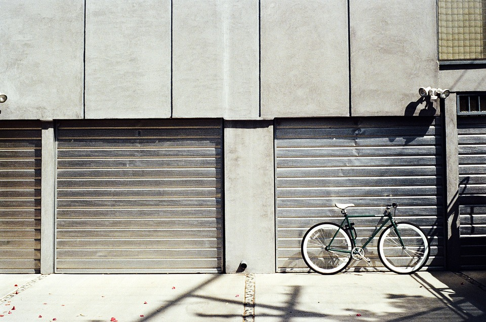 bicycle, garages, shut