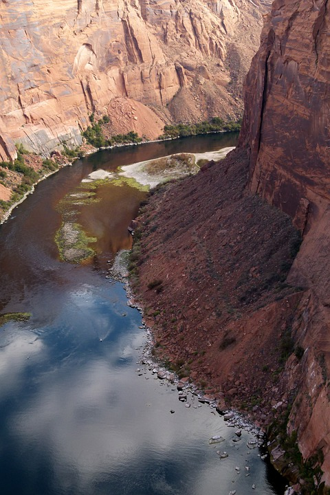 colorado river, glen canyon, tourist attraction