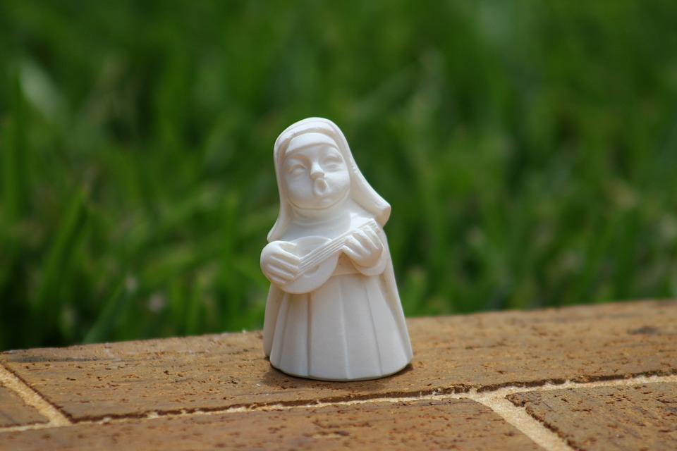 singing nun, playing guitar nun, catholic