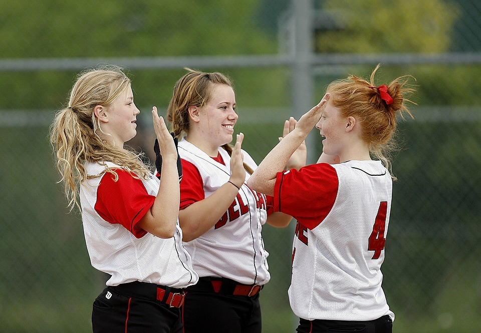 softball, girls, team mates