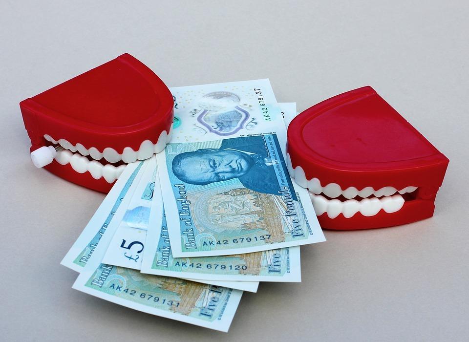 money, grab, teeth