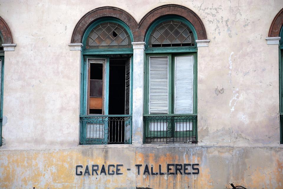 colonial style, window, facade