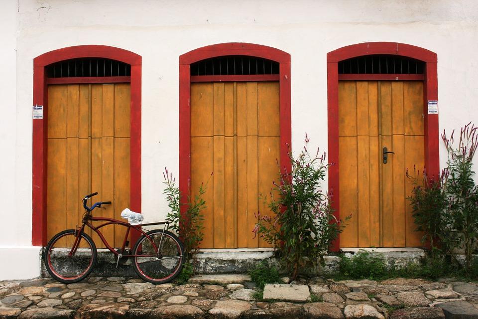 paraty, bike, colonial architecture