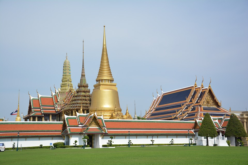 temple of the emerald buddha, tourist attraction, palace