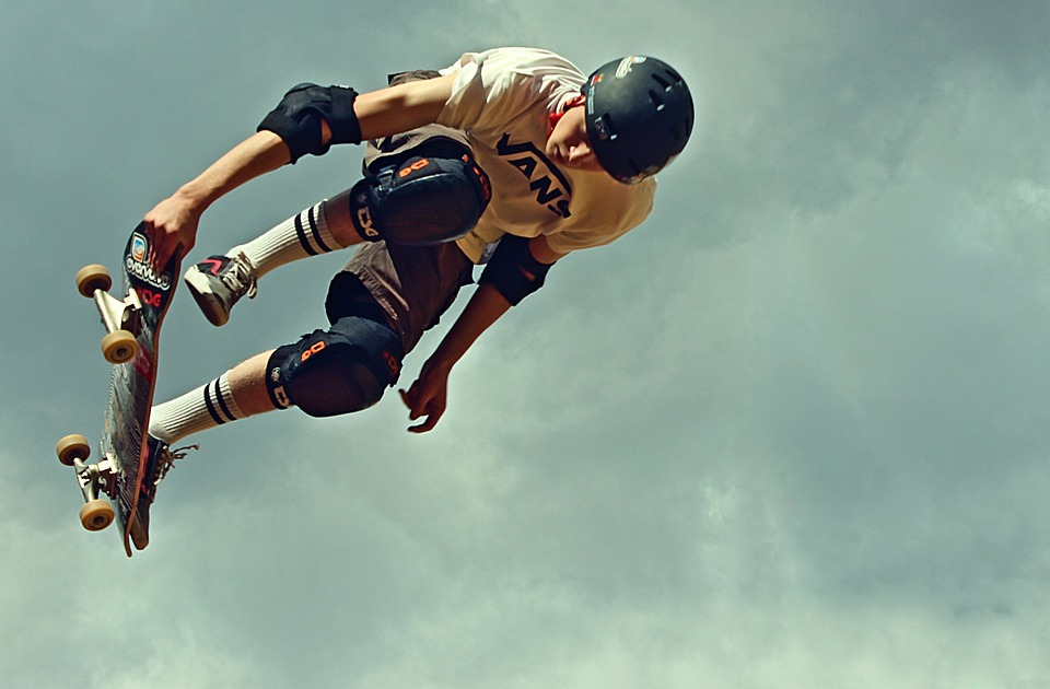 skateboard, helm, protectors
