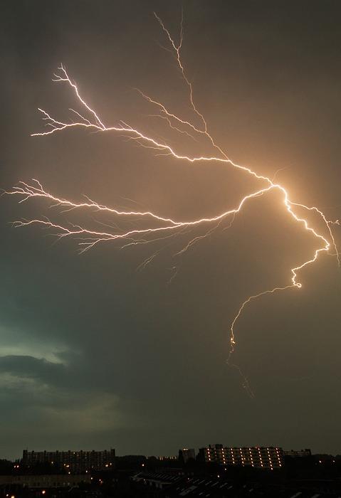 lightening, struck, bolt