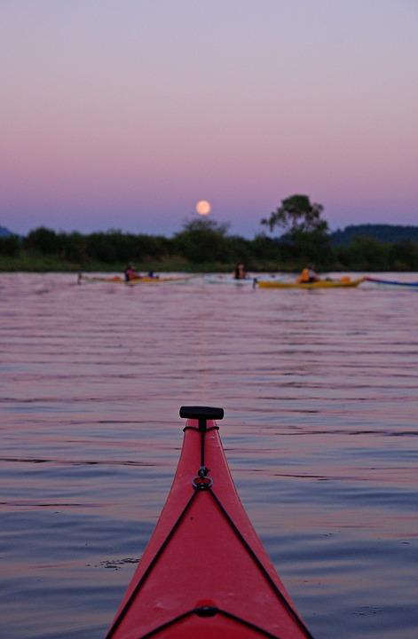 kayak, group, full moon