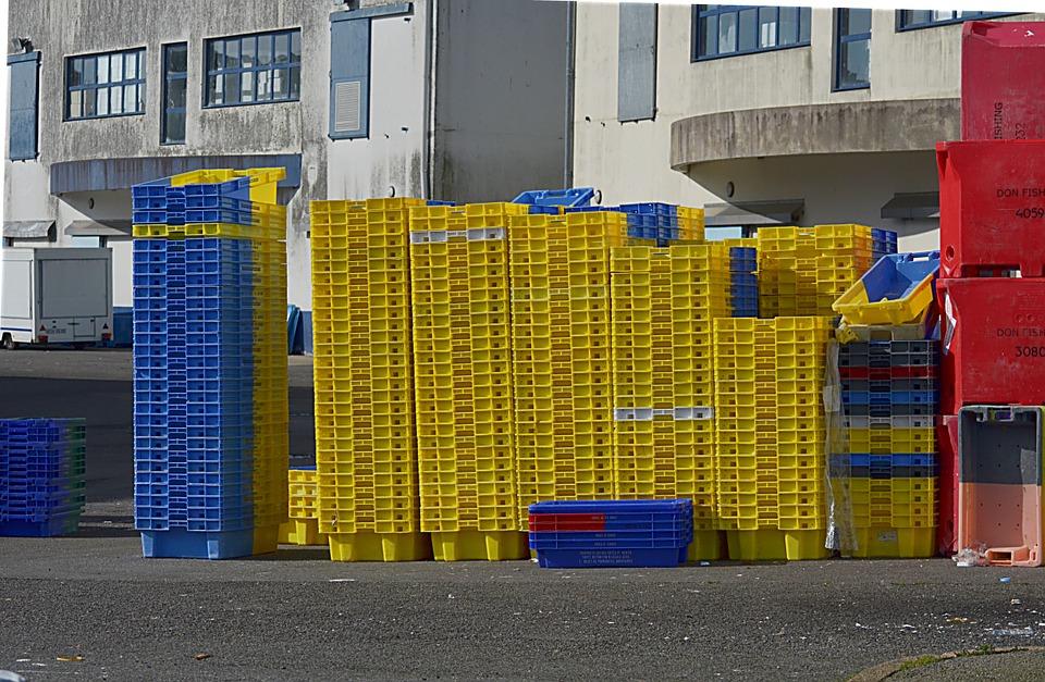 crates, plastic, auction